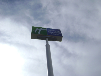 Pole Sign - Holiday Inn Express Salida