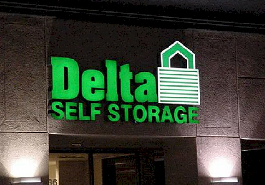 Pan Channel Letters - Delta Self Storage